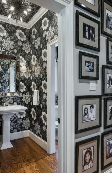 black-white-floral-wallpaper-bathroom