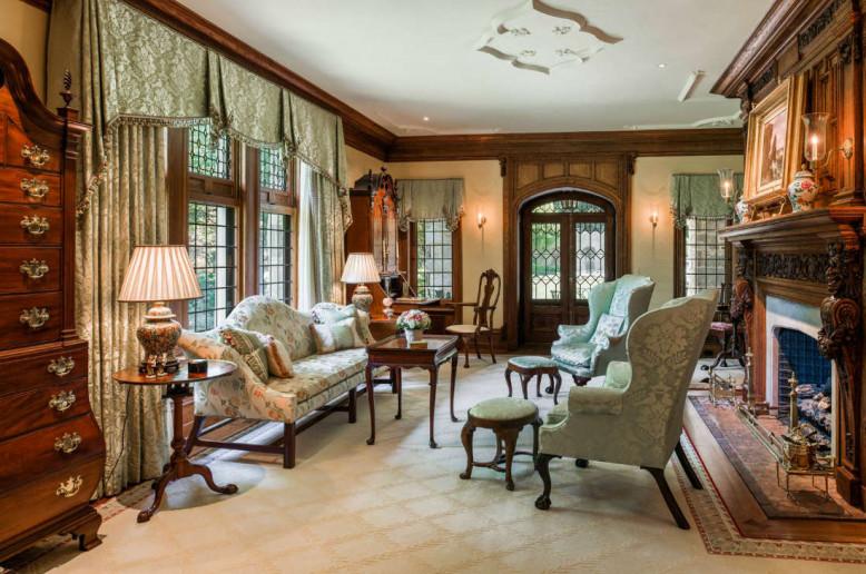 living-room-bryn-mawr-buttonwood