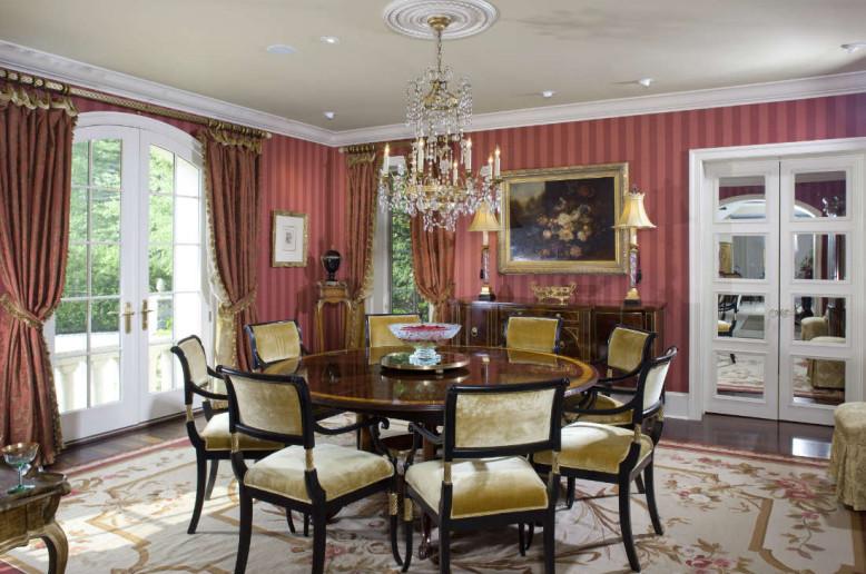red-stripe-formal-living-room
