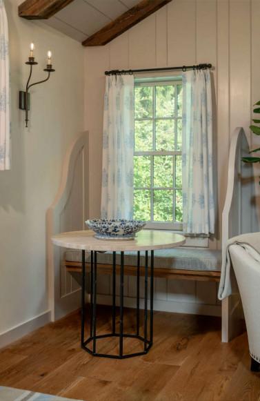 window-seat-table