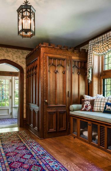 wooden-closet-window-seat