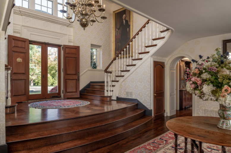 villanova-pa-entry-way-staircase-interior-design